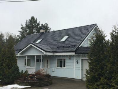 Saue, Männi 10a, eramu katuse lisasoojustamine, katuseakende ja uue pinnakatte paigaldustööd (2015)